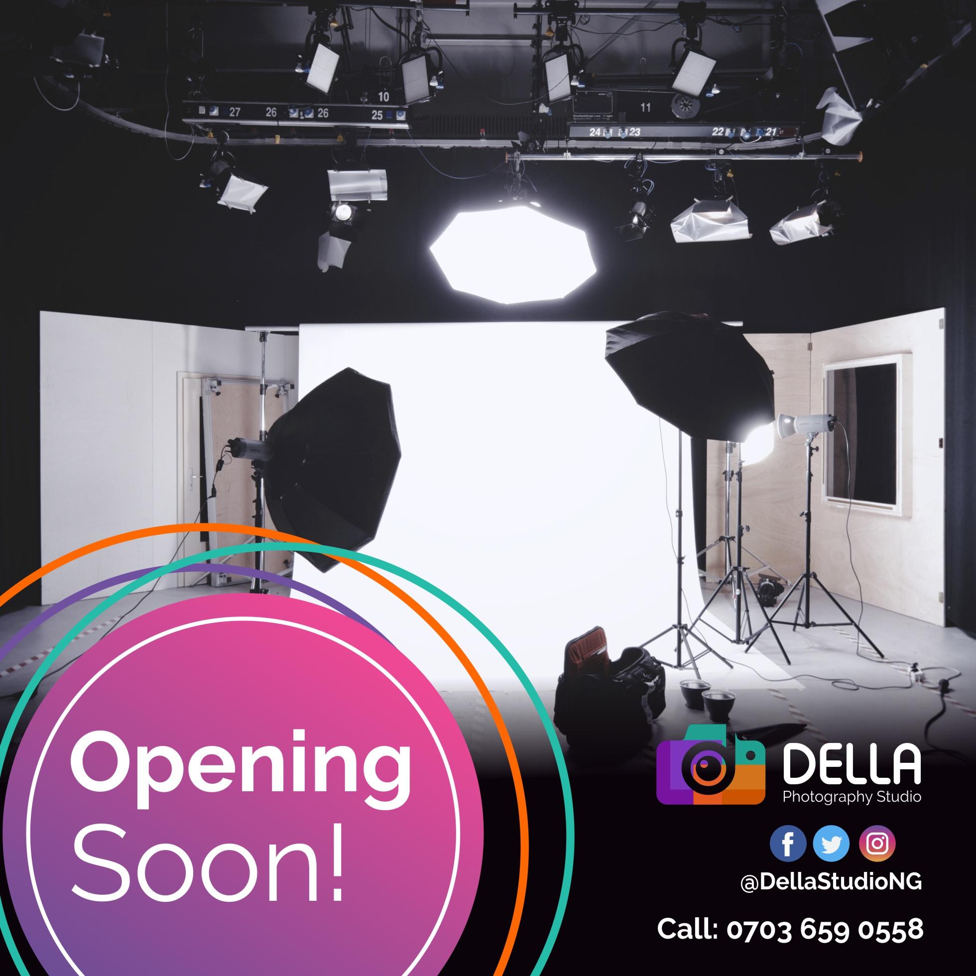Della Opening